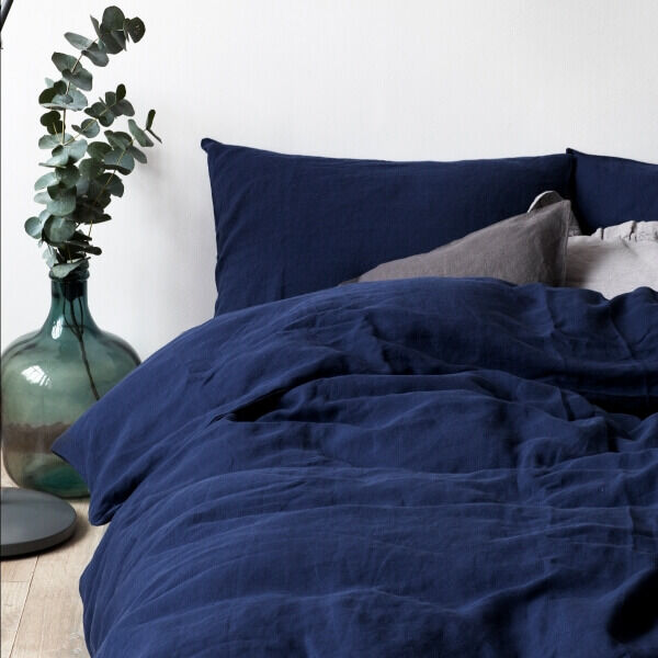 Navy Washed Linen Bed Set - Lithuania